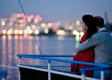 Романтическое свидание на теплоходе